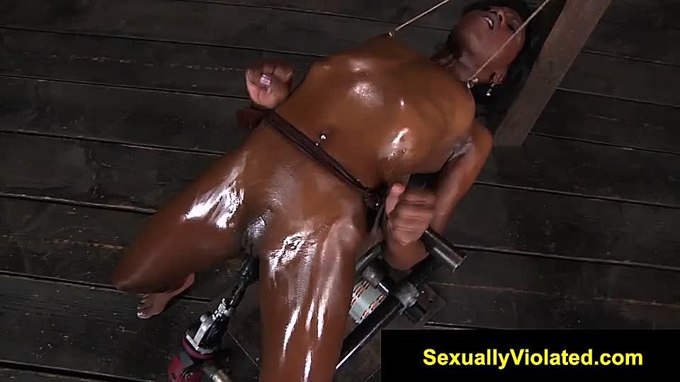Schwarzes Mädchen Rough Bondage